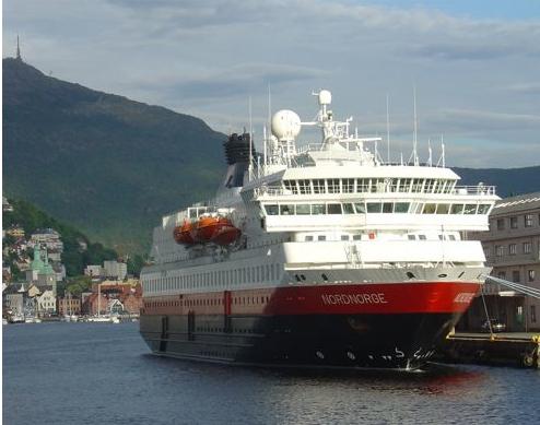 "MS ""Nordnorge"" i Bergen. Foto: J.K. Bless"