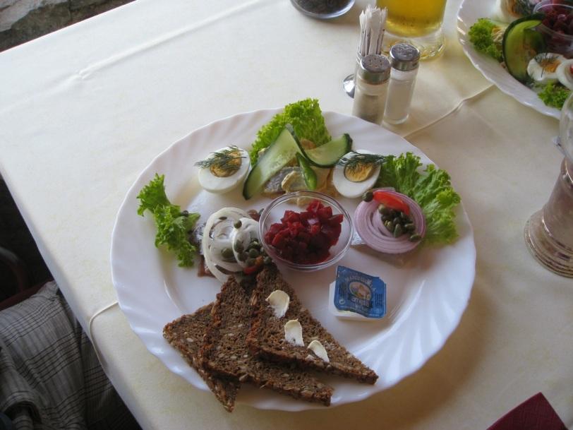Den danske restauranten Eden serverte nydelig sild, som vi selvsagt prøvde flere ganger.