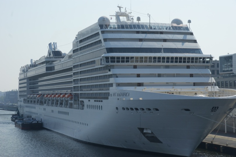 En annen cruisebåt