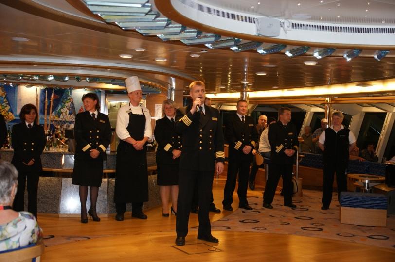 MS Fram kaptein og crew
