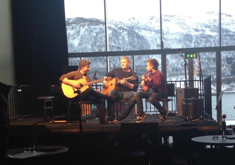 Tre gitarister