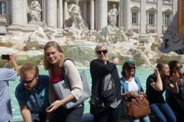 Arrivederci, Roma. Myntkasting i Trevifontenen er fast rituale.